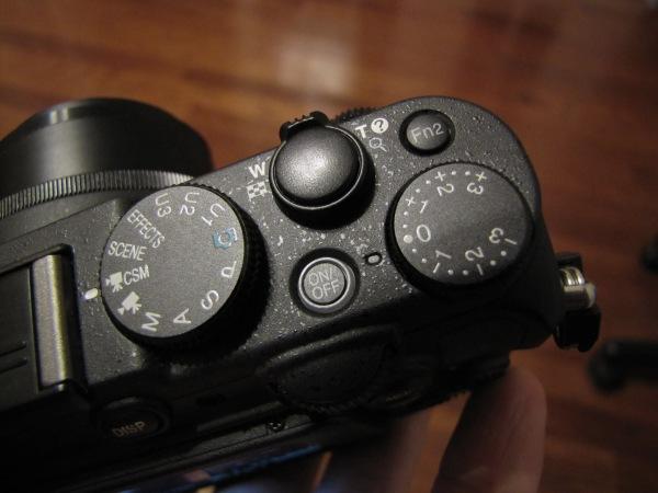Nikon P7700 Dials