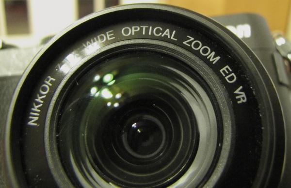 Nikon P7700 Lens